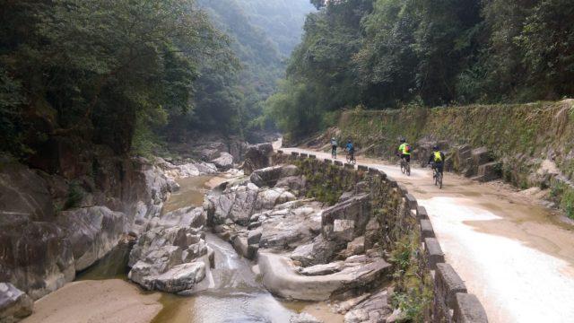 川龍峽漂流。